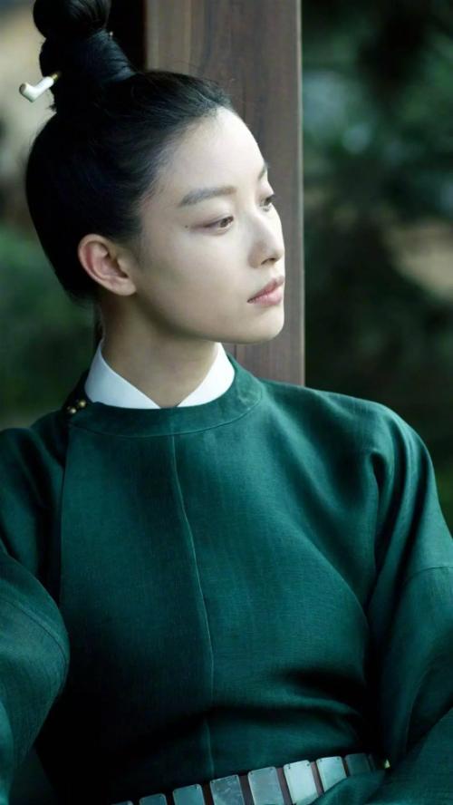 Vẻ ngoài xinh đẹp khó giấu của các nam tử hán phim cổ trang Trung Quốc - 1