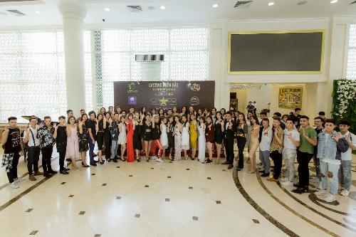 Từ 7h sáng, đã có hơn 200 ứng viên đến từ Hà Nội và các tỉnh thành phía Bắc đã đến tham dự buổi casting.