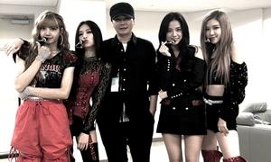 Chụp ảnh thân thiết với Black Pink, chủ tịch Yang bị fan iKon, 2NE1 cạnh khóe