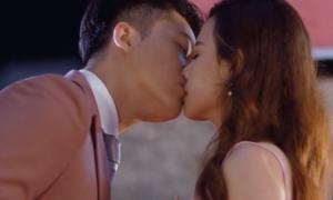 Midu: 'Ám ảnh, áp lực khi quay cảnh hôn Harry Lu'