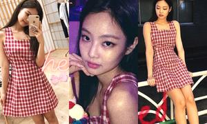 Jennie gây sốt với váy kẻ gingham xinh yêu giá 500k