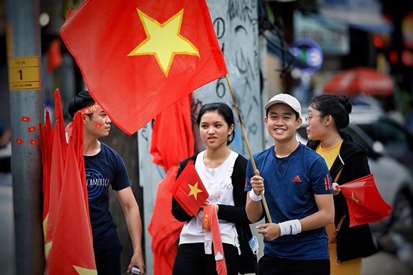 Không khí tưng bừng cổ vũ Olympic Việt Nam trước giờ G - 5