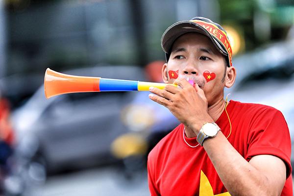 Không khí tưng bừng cổ vũ Olympic Việt Nam trước giờ G - 7