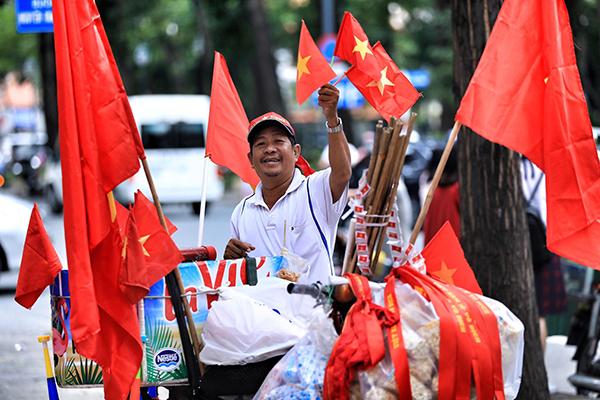 Không khí tưng bừng cổ vũ Olympic Việt Nam trước giờ G - 9