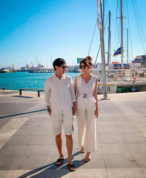 Hai vợ chồng Lý Hải - Minh Hà trốn con rủ nhau đi du lịch nước ngoài.