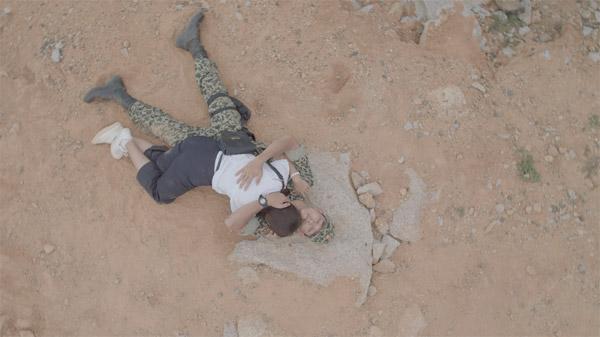 Song Luân khoe cơ thể 6 múi cực hấp dẫn trong trailer Hậu duệ mặt trời bản Việt