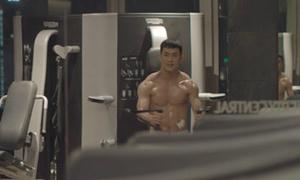 Song Luân khoe body 6 múi trong trailer 'Hậu duệ Mặt trời' bản Việt