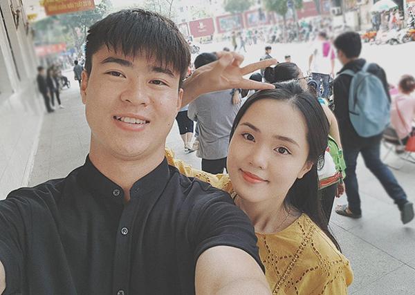 Phản ứng của bạn gái khi Quang Hải, Duy Mạnh chấn thương trên sân cỏ - 2