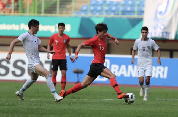 Hàn Quốc mang sang Indonesia đội hình cực mạnh rất quyết tâm đoạt HC vàng môn bóng đá nam Asiad 2018.Ảnh: Đức Đồng.