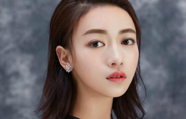 Nữ diễn viên Ngô Cẩn Ngôn.