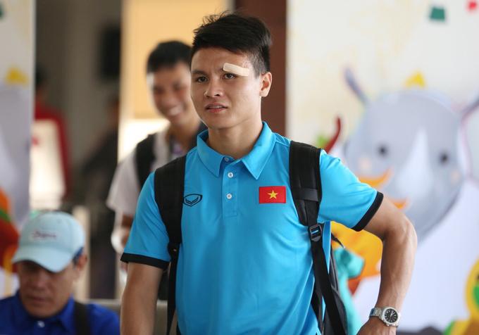 <p> Quang Hải vẫn đẹp trai như thường khi xuất hiện.</p>
