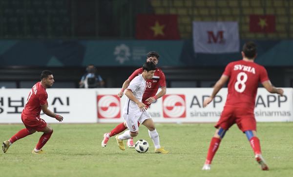 Áo của các cầu thủ Syria chỉ có số và tên quốc gia. Ảnh: Đức Đồng.
