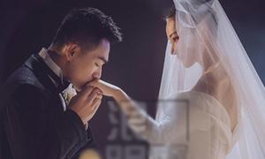 Trương Hinh Dư mặc váy cưới lộng lẫy, nghẹn ngào trong hôn lễ