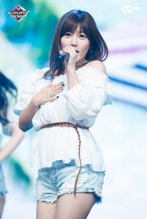 Top 20 Produce 48 khoe thần thái trên sân khấu trước chung kết - 1