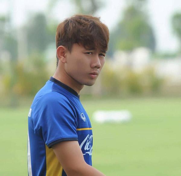 Minh Vương có gương mặt hiền lành, dễ làm mọi người cảm mến.