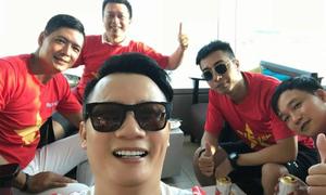Sao Việt háo hức cổ vũ Olympic Việt Nam tại bán kết