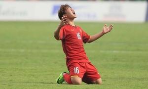 Minh Vương chia sẻ khoảnh khắc mừng bàn thắng 'cảm xúc thật lẫn lộn'