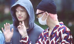Jin chơi trội, cặp V-Kook đáng yêu trên đường đến Music Bank
