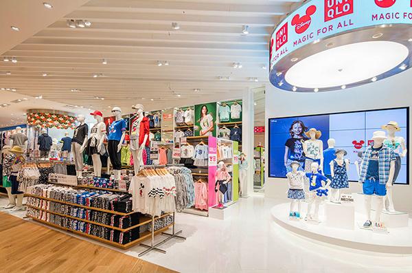 Áo chống nắng làm mát, áo phao lông vũ, áo quần giữ nhiệt... là những mặt hàng Uniqlo phổ biến nhất tại Việt Nam.