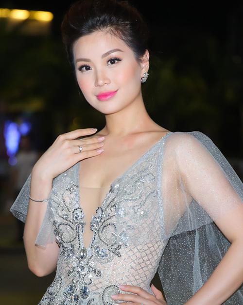 3 lỗi dễ gặp của sao Việt chứng minh trang điểm đẹp chẳng dễ dàng