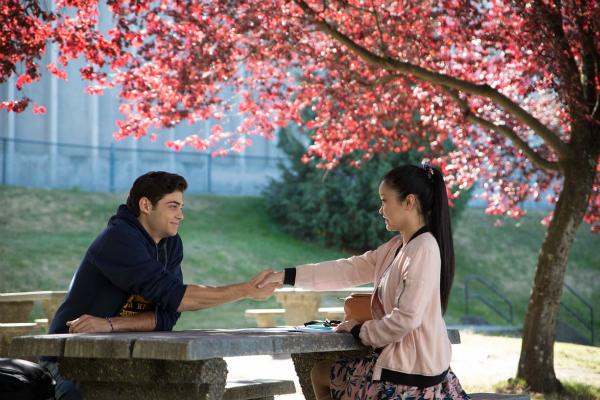 Lana Condor và nam diễn viên chínhNoah Centineo đều là hai người gốc Á.