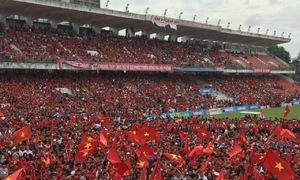 Biển người khắp cả nước hừng hực tiếp lửa cho Olympic Việt Nam