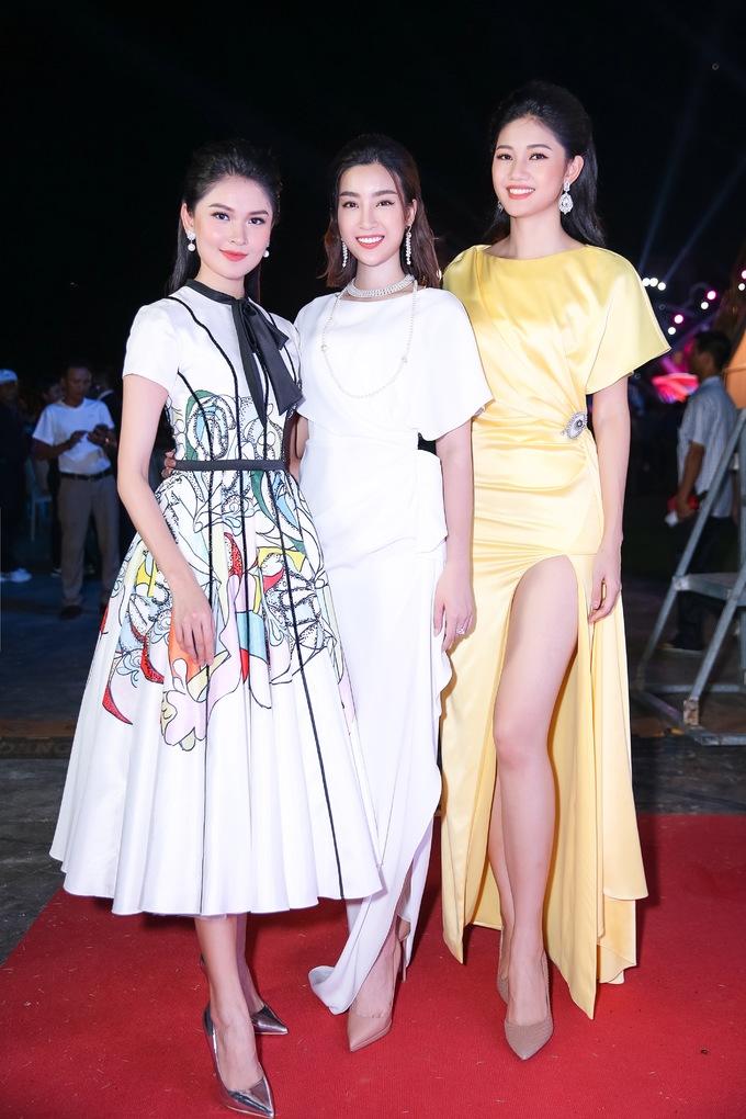 <p> Bộ 3 người đẹp luôn thân thiết từ sau cuộc thi đến nay.</p>