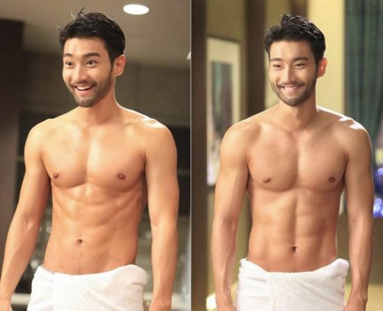Sau này, khi trưởng thành hơn, cao hơn, làn da rắn rỏi hơn, Si Won mới thực sự đạt đến thời kỳ đỉnh cao về nhan sắc.