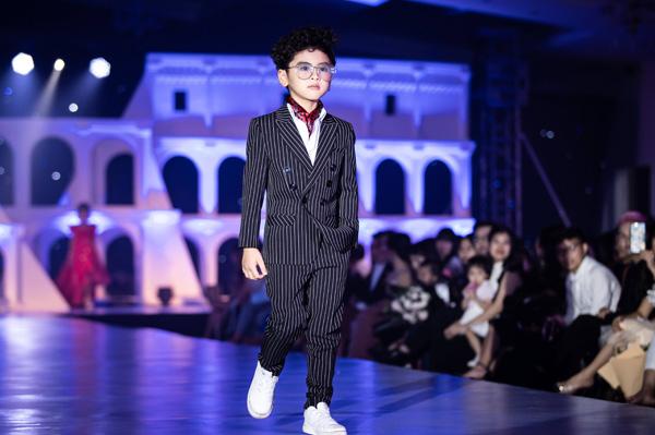 Tuần lễ thời trang trẻ em quốc tế Việt Nam 2018 sẽ diễn ra trong 3 ngày 21-23/12, tại Hoàng thành Thăng Long, Hà Nội.