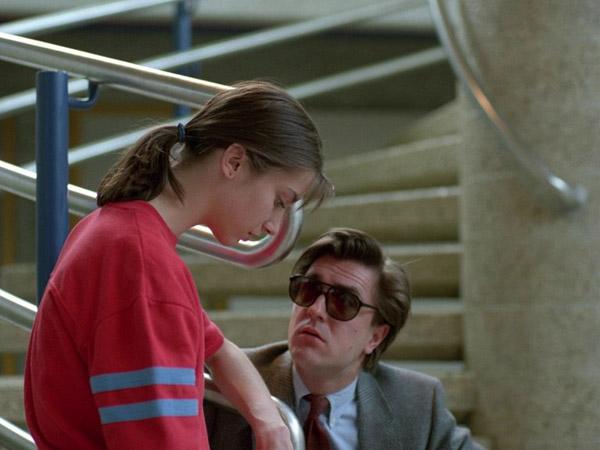 Trong phim có những cảnh nhạy cảm.