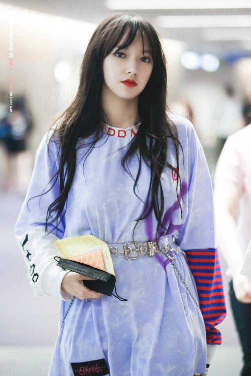 Cheng Xiao được yêu quý nhờ hình thể đẹp, nhân cách hoàn hảo.