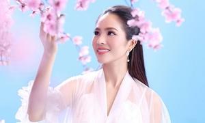 Người đẹp Áo dài Dương Kim Ánh mơ màng trong hình tượng cổ trang
