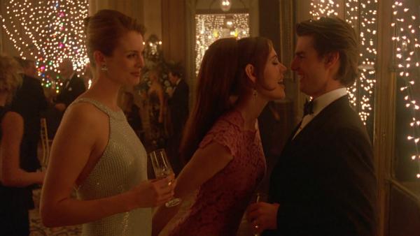 Những rắc rối trong cuộc sống vợ chồng của hai người cũng được đưa vào phim.