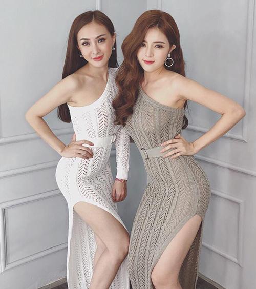 Hai chị em Kelly Nguyễn - Lilly Luta thân nhau nên hợp cạ cả phong cách gợi cảm.