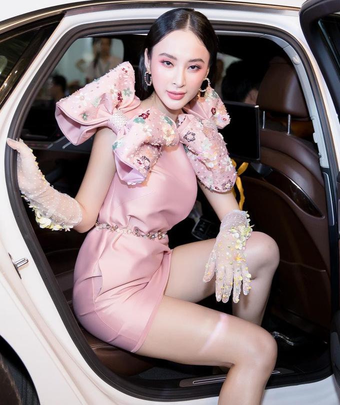 """<p> Sự đồng điệu trong trang phục và lối trang điểm cho thấy sự chỉn chu của """"nữ hoàng thảm đỏ"""".</p>"""