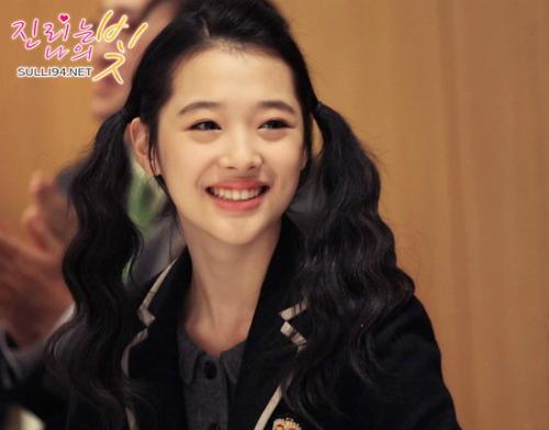 5 nữ idol vào top tìm kiếm khi mới debut: Người tạo xu hướng, kẻ bị mỉa mai - 3