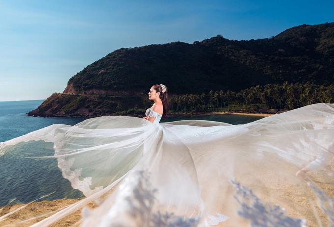 Hoa hậu Đại dương Đặng Thu Thảo tung ảnh cưới lãng mạn trên biển