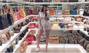 'Thiên đường' của các cô gái chắc chắn là tủ túi xách đồ sộ của Kylie Jenner