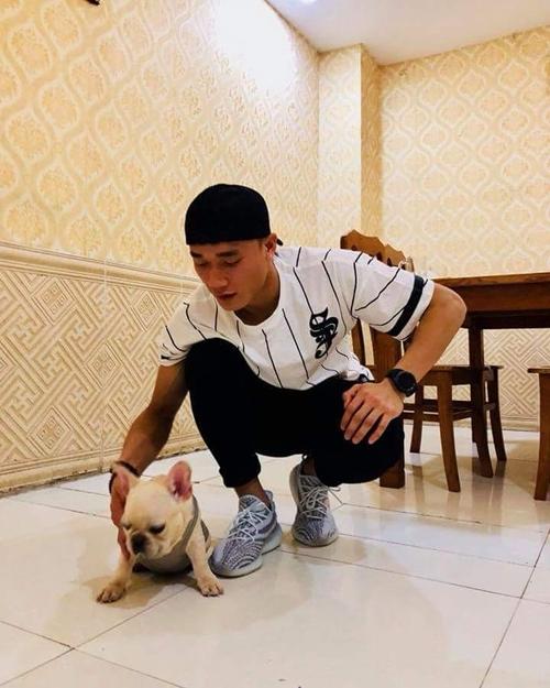 Chú cún được Bùi Tiến Dũng cưng nựng hơn cả người yêu - 4