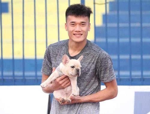 Chú cún được Bùi Tiến Dũng cưng nựng hơn cả người yêu - 5