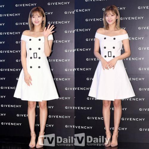 Jeong Yeon là thành viên duy nhất được khen ngợi khi sở hữu hình thể đẹp không kém người mẫu.