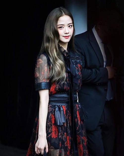 Ji Soo tỏa sáng trong Tuần lễ thời trang New York.