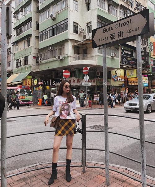 Yến Trang chất lừ trên đường phố Hong Kong.