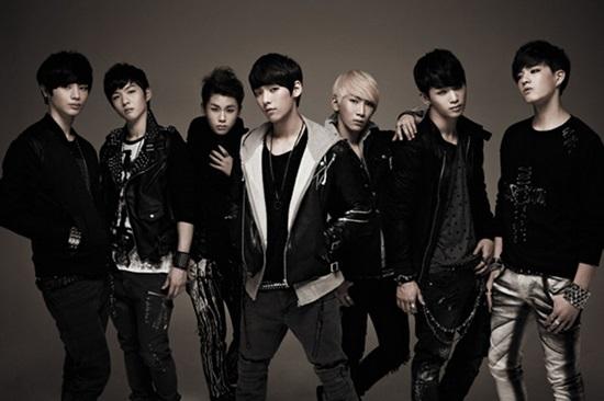 Thánh Kpop mới nhận ra đấy là nhóm nhạc nam thế hệ thứ ba nào? - 1
