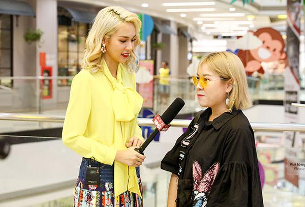 cô giữ vai trò người dẫn dắt chương trình và với vai trò mới, cô cũng thể hiện sự linh hoạt của mình khi khiến các thí sinh thêm hào hứng để thể hiện quan điểm sáng tạo và niềm đam mê dành cho thiết kế.