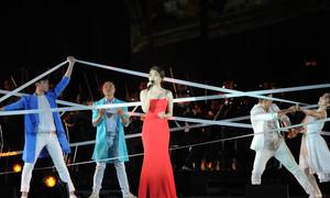 Mỹ Tâm, Tóc Tiên gợi cảm khuấy đảo nhạc hội với loạt hit