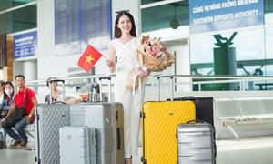 Hoa khôi Thúy Vi mang 154kg hành lý lên đường thi hoa hậu