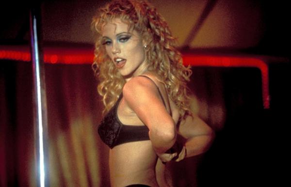 Nhân vật chính của phim là một vũ công sa ngã.