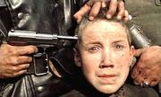 Sao nhí 14 tuổi bạc cả tóc vì quá nhập vai trong bộ phim chiến tranh xuất sắc