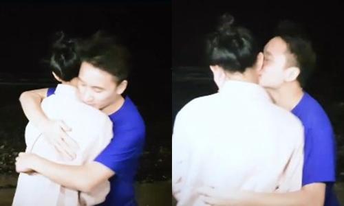 Khoảnh khắc tình cảm trong màn cầu hôn của Huỳnh Khánh Vy.